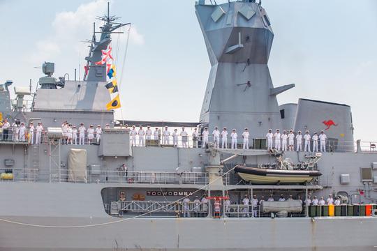 3 tàu Hải quân Hoàng gia Úc vừa cập cảng Sài Gòn - 1