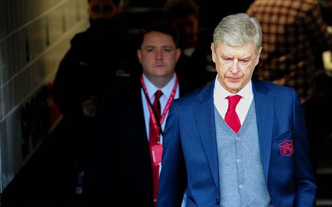 Triều đại Arsenal 22 năm,  Wenger ra quyết định rúng động - 1