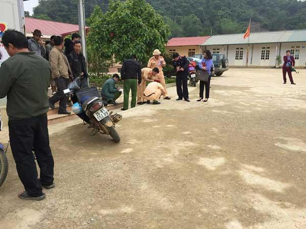 Cô giáo lùi xe đè chết học sinh trong sân trường chưa có bằng lái - 1