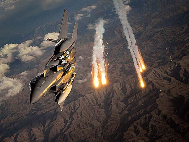 """NÓNG nhất tuần: Tên lửa chuyên """"xử"""" S-400 Nga bắn Syria từ cách 620km"""