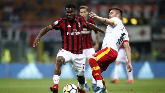 Milan - Benevento: Bàn thua oan nghiệt, thẻ đỏ ngậm ngùi - 1