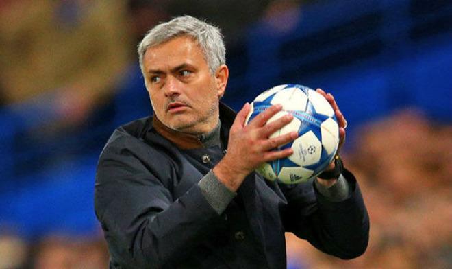 """3 năm, MU đá 4 trận chung kết: Áp lực kinh hoàng, Mourinho sợ bị """"giết"""" - 1"""