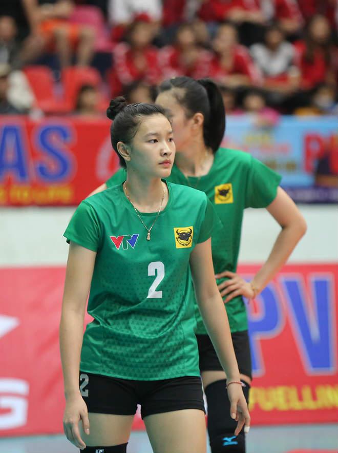 """""""Hot girl"""" Kim Thanh da trắng dáng xinh, gây sốt ở giải bóng chuyền - 1"""