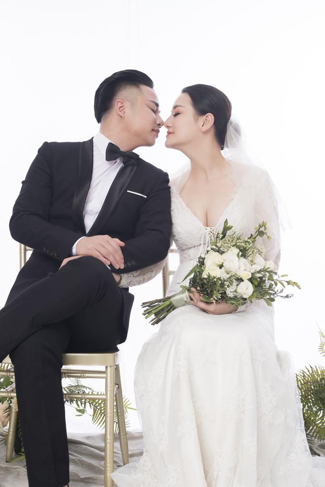 Hữu Công tung ảnh cưới đẹp lung linh trước thềm đám cưới tiền tỷ - 1