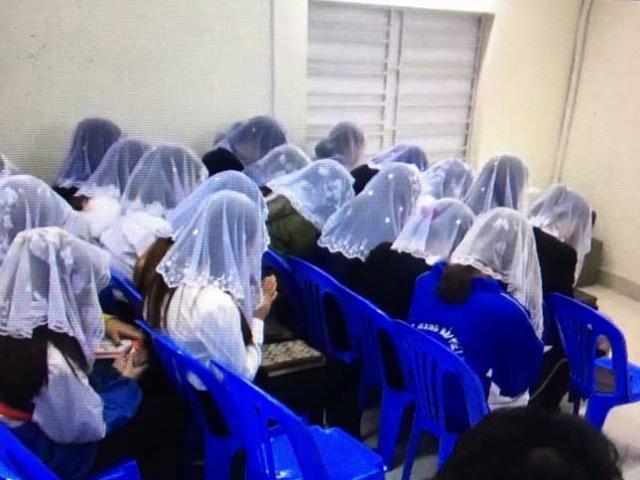 """Cô giáo trẻ kể những ngày khổ sở trốn """"Hội thánh đức chúa trời"""""""