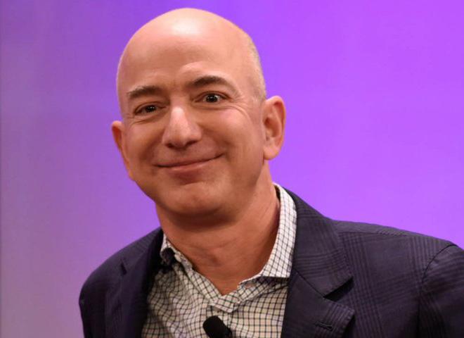 Vì sao cấp dưới phát hoảng khi nhận email 1 ký tự của Jeff Bezos? - 1