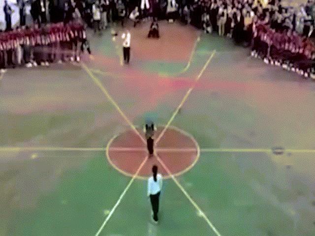 Học sinh TQ lập kỷ lục nhảy với 120 dây cùng lúc