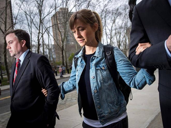 Sao Hollywood gạ gẫm Emma Watson vào đường dây buôn bán tình dục - 1