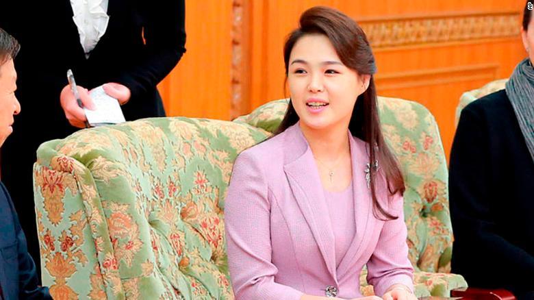 Không đi cùng Kim Jong-un, Đệ nhất phu nhân Triều Tiên đang ở đâu? - 1