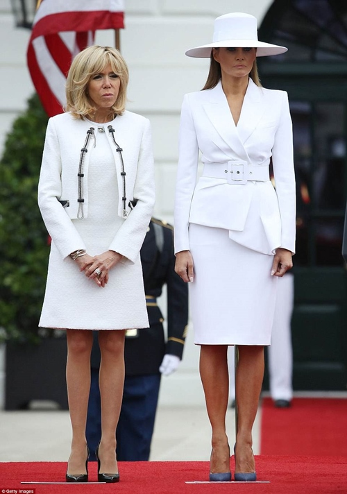 Đệ nhất phu nhân Mỹ tạo nên cơn sốt phụ nữ mặc suit - 1