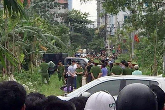 Dân vây, xem thực nghiệm hiện trường vụ nam sinh bị giết, phi tang xác - 1
