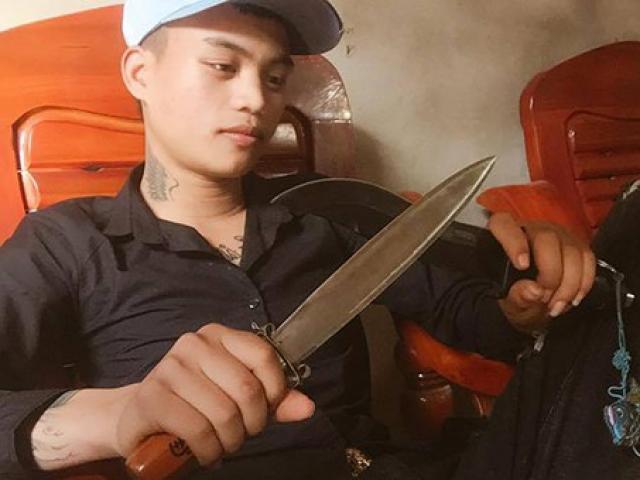 Sau khi đăng hình cầm dao trên Facebook, nam thanh niên đâm bạn gái cũ tử vong