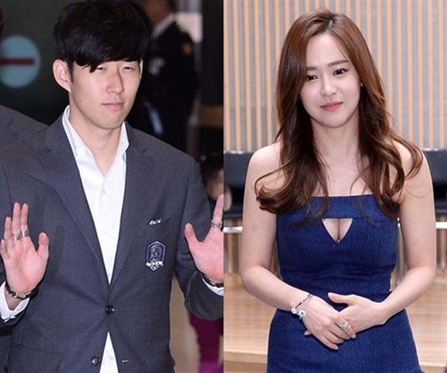 """Yoo So Young – cựu thành viên nổi tiếng nhóm nhạc từng có mối tình ngắn ngủi với Son Heung Min, chân sút nổi tiếng của Tottenham ở giải đấu ngoại hạng Anh. Cặp đôi công khai chuyện hẹn hò vào cuối năm 2015 sau khi bị """"khui"""" loạt ảnh đi chơi riêng trên truyền thông."""