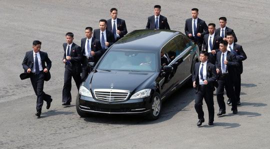 """""""Soi"""" xế sang của lãnh đạo liên Triều - 1"""