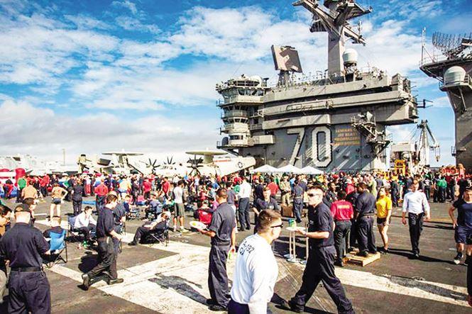 Tàu sân bay Mỹ thăm Ðà Nẵng: Dấu mốc 53 năm - 1