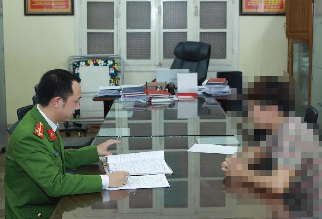Bí mật chưa từng tiết lộ về nam người mẫu trong đường dây bán dâm Adam Hòa - 1