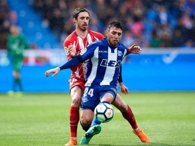 Alaves – Atletico Madrid: Torres vô duyên, thẻ đỏ khó hiểu