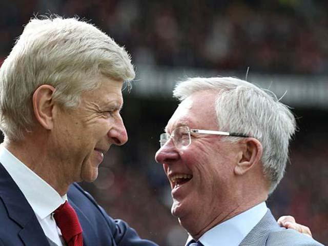 MU tri ân Wenger: Sir Alex tặng quà, Sanchez chào thầy cũ