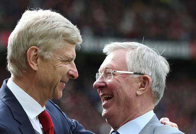 MU tri ân Wenger: Sir Alex tặng quà, Sanchez chào thầy cũ - 1