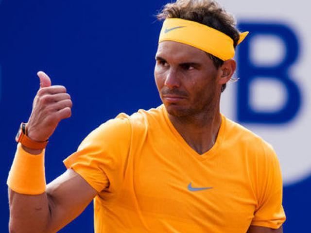 Ngỡ ngàng Nadal: Siêu sao triệu đô, dọn sân như nhân viên