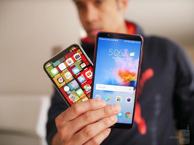 iPhone X và Honor 7X: Chọn nhà giàu hay nhà nghèo?