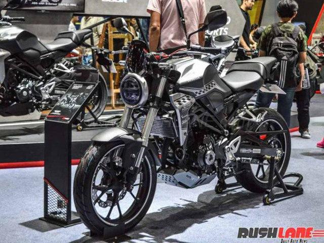 """Honda CB300R """"tỏa sáng"""" tại Triển lãm Ô tô Quốc tế Indonesia"""