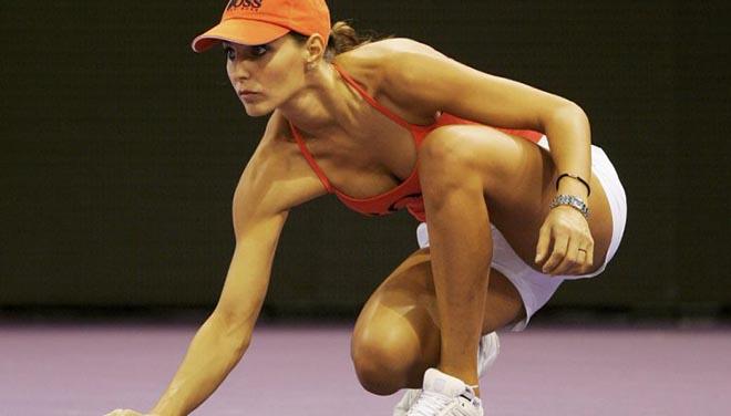 """Mỹ nhân quyến rũ """"phục vụ"""": Federer, Djokovic, Nadal ái ngại - 1"""