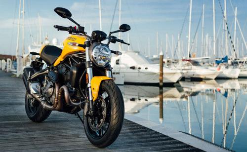 Dọa nạt Suzuki GSX-S750, Ducati Monster 821 2018 chính thức trình làng - 1
