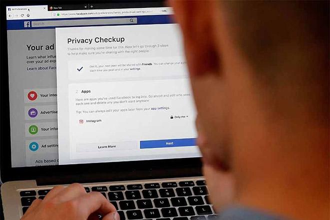 Lạm dụng quyền, một kỹ sư Facebook bị tố theo dõi phụ nữ - 1