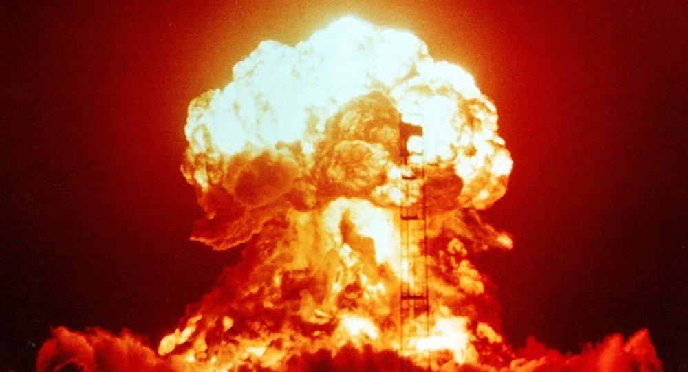 Siêu bom hạt nhân Mỹ biết tự tìm mục tiêu gắn trên tiêm kích F-35 - 1
