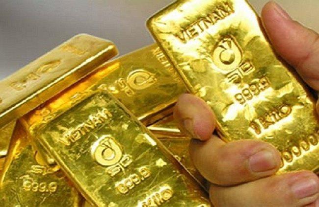 """Giá vàng hôm nay 5/5: Vàng thế giới """"kéo tay"""" SJC leo dốc - 1"""