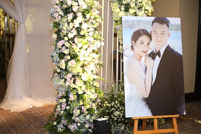 Phóng viên vất vả tác nghiệp ở đám cưới 5 sao của Diệp Lâm Anh và thiếu gia Sài thành - 1