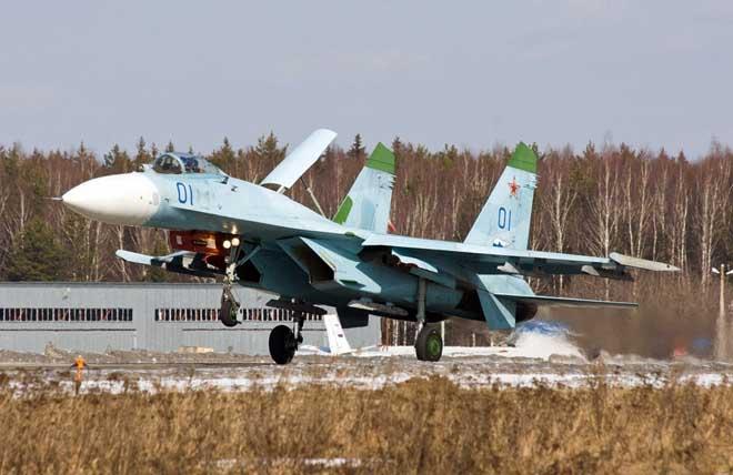 """Tiêm kích """"hổ mang chúa"""" Su-27 Nga khiến NATO lo sợ nhất - 1"""