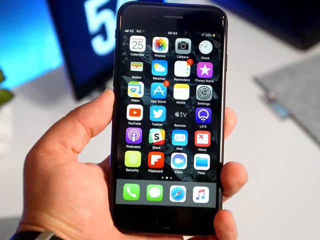 Apple thừa nhận một số iPhone 7 và 7 Plus tắt micro khi thực hiện cuộc gọi