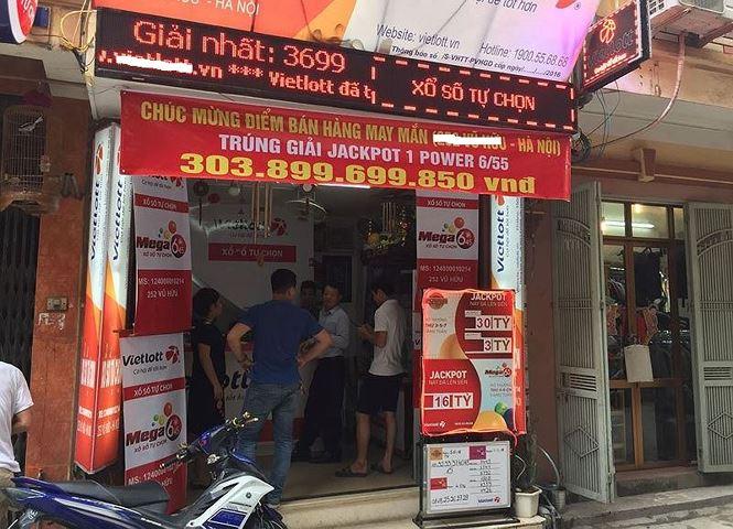 Hé lộ về người trúng giải Vietlott hơn 300 tỷ ở Hà Nội - 1
