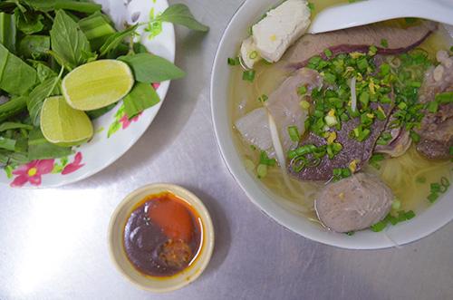 Những quán hủ tiếu ngon nổi tiếng giữa lòng Sài Gòn - 1