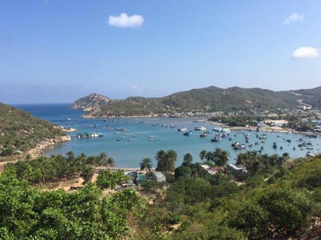 Đắm mình giữa biển xanh như ngọc đẹp mê hồn ở vịnh Vĩnh Hy