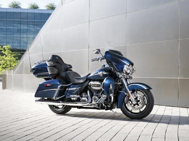 Indian Roadmaster Elite với Harley-Davidson CVO Limited: Cuộc chiến cân sức