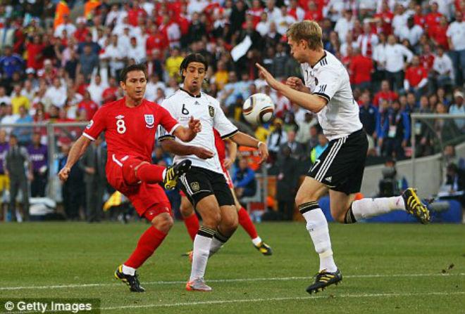 Trận đấu sốc nhất World Cup: Anh ôm hận Đức vì trọng tài đánh cắp bàn thắng - 1