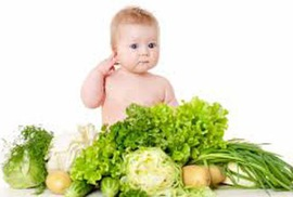 Trẻ lười ăn rau, có nên bù lại bằng trái cây? - 1