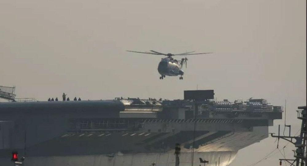 TQ thử nghiệm trực thăng vận tải trên tàu sân bay mới nhất - 1