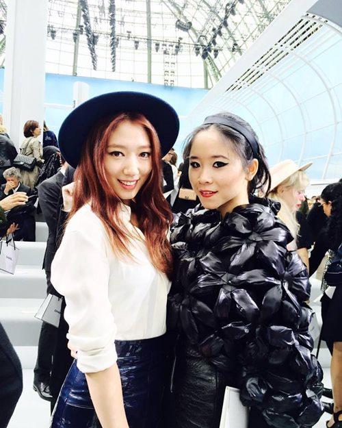 Cô gái người Việt duy nhất góp mặt tại Met Gala - 8