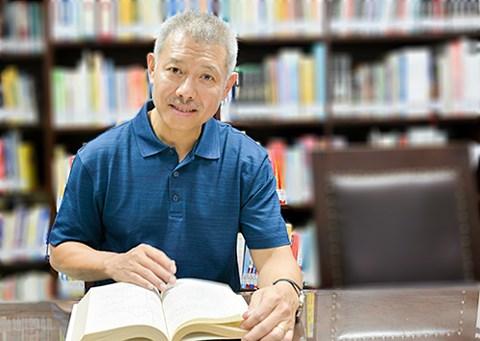 Không đủ điều kiện làm hiệu trưởng, GS Trương Nguyện Thành rời ĐH Hoa Sen - 1