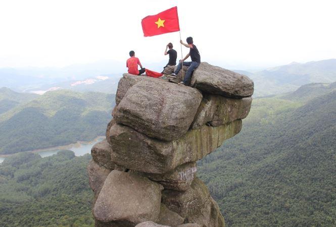 """Tận thấy """"thánh địa sống ảo"""" nguy hiểm bậc nhất Việt Nam - 1"""