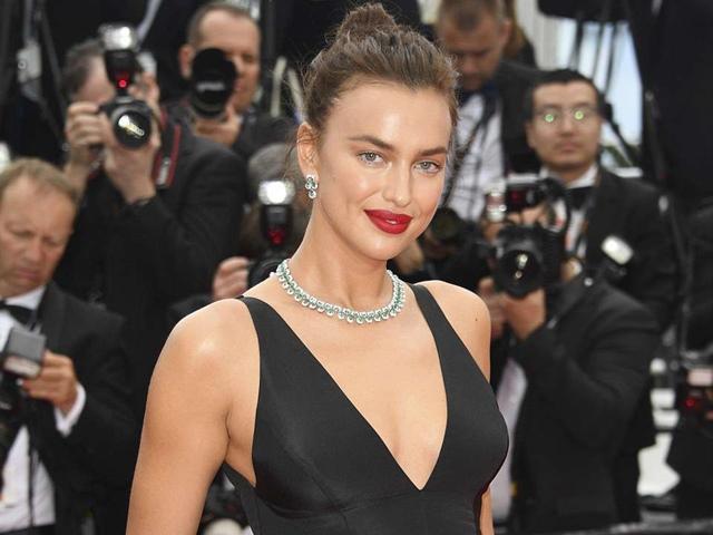Thảm đỏ Cannes 2018: Irina Shayk đẹp đến nghẹn lời
