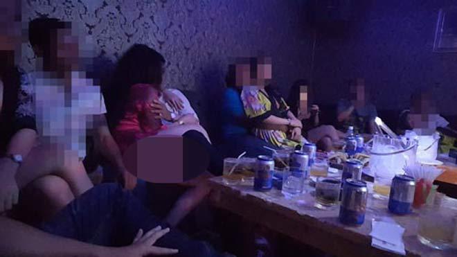 """Vụ """"Thác loạn bên trong nhà hàng"""": Có thể khởi tố hình sự - 1"""