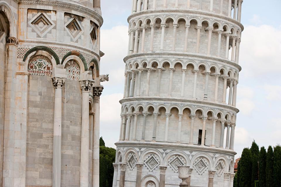 Bí mật giúp tháp nghiêng Pisa trụ vững trước động đất suốt 800 năm - 1