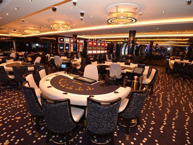 Nằm trên tầng 7, Bliss Casino là một trong những sòng bạc lớn nhất trên biển