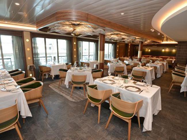 Nhà hàng cao cấp chuyên về hải sản Ocean Blue