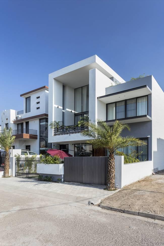 Gia chủ đã yêu cầu chọn lựa nội thất làm từ chất liệu, màu sắc, kết cấu tinh tế và đảm bảo sự tao nhã.